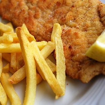 Milanese chicken cutlet with french fries